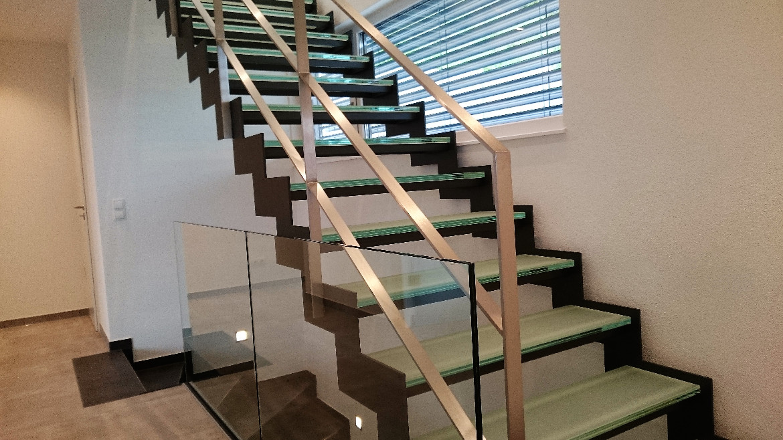 treppen gel nder treppe treppengel nder wendeltreppe. Black Bedroom Furniture Sets. Home Design Ideas